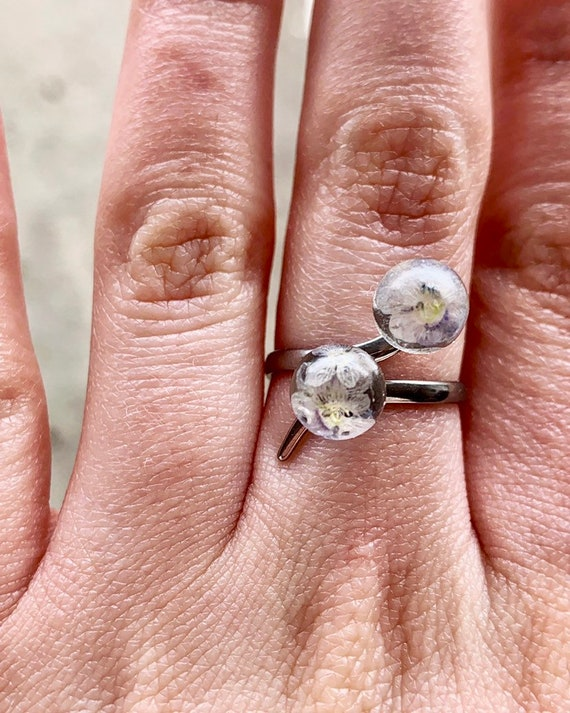 Flowers ring, give your lover some love, resin flowers, silver stainless steel, gift for her, handmade rings.