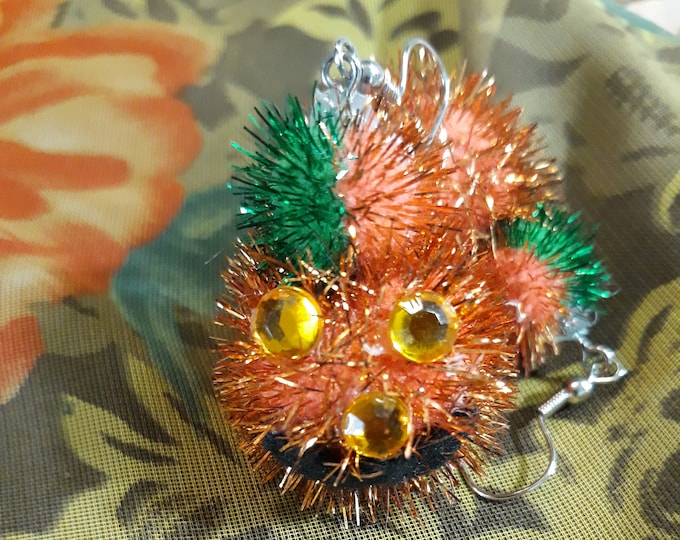 VINTAGE Halloween earrings, Pumpkin pom pom vintage earrings, Halloween jewelry, themed jewelry for Halloween, Jack-o-lantern, vintage