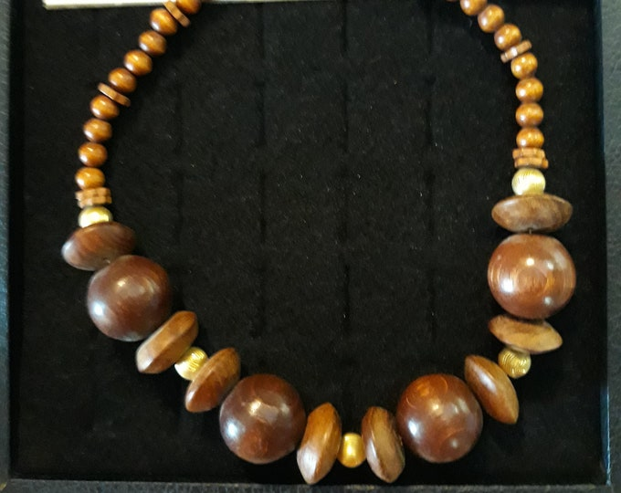 Wonderful vintage wooden Hippie Boho beads choker necklace