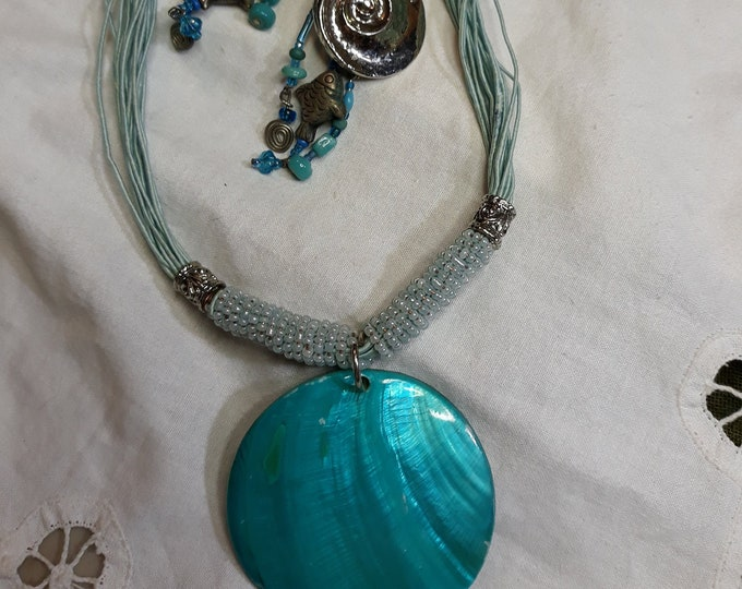 Retro Blue green shell pendant and earrings