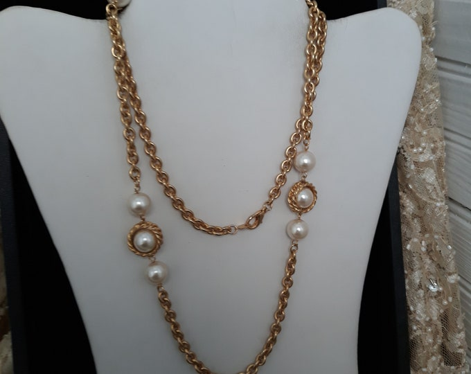 Vintage gold tone faux pearl and chain necklace, Gift for her, Estate jewelry, Christmas, under 10