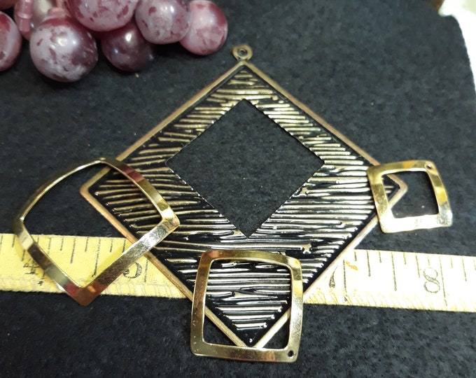 Lot of square pendant pieces gold tone