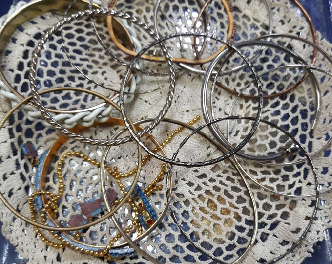 CLEARANCE >>> Bangle bracelt lot for crafting and repurpose,15 salvaged bangle bracelets, arts and crafts jewelry, picture frame art jewelry