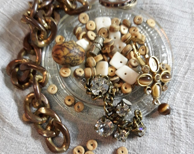 Vintage beads and assorted crafting jewelry, Vintage jewelry lot, Crafting jewelry, jewelry pieces, jewelry components, salvaged jewelry