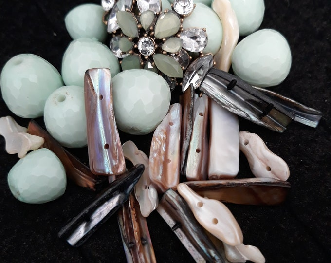 Rhinestones, shells and vintage beads mixed lot