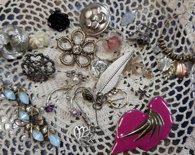 Vintage assorted crafting jewelry, Vintage mixed media jewelry lot, Crafting jewelry, jewelry pieces, repurposed jewelry, salvaged jewelry