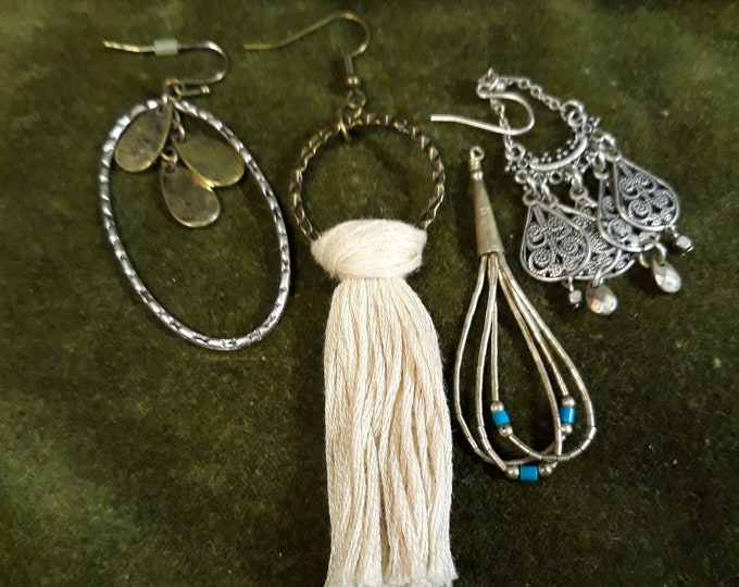 97c Lot of Boho Hippie single odd earrings, Bohemian dangle drop earrings, Gypsy jewelry, Boho fashion, arts and crafts, embellishments