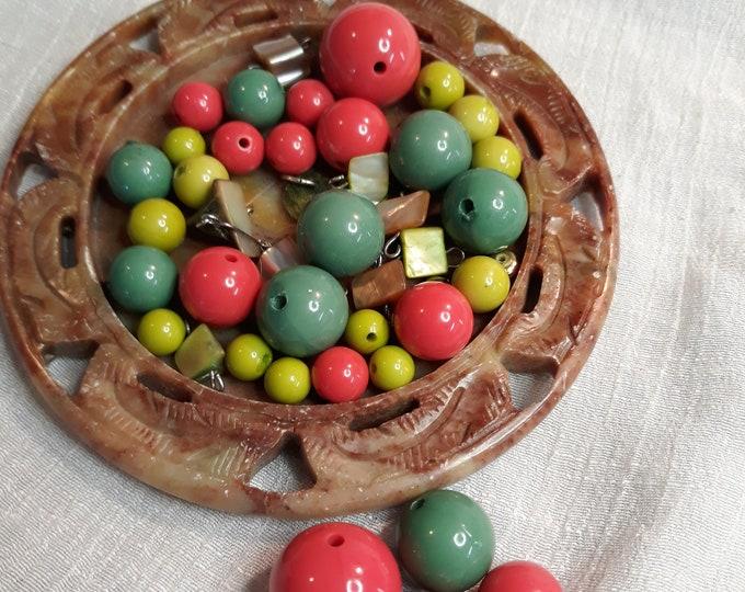 Vintage plastic bead lot, 97c Special Value vintage bead lot, repurposed jewelry, salvaged jewelry