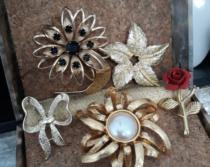 Beautiful Vintage rhinestone brooch lot plus others, crafting jewelry brooch lot
