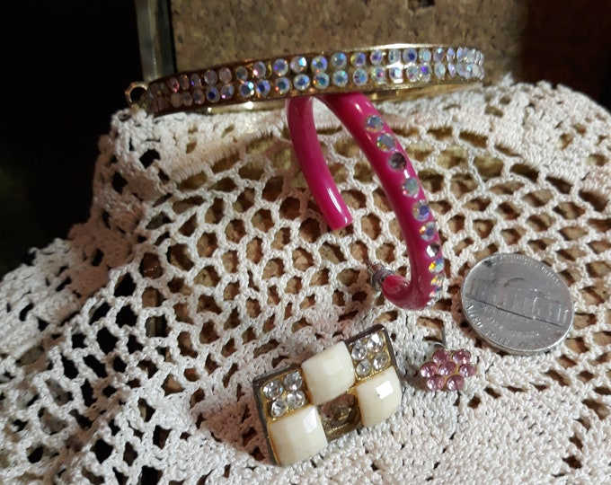 Vintage rhinestone craft lot, 97c Special Value junk jewelry components, repurposed jewelry, salvaged jewelry