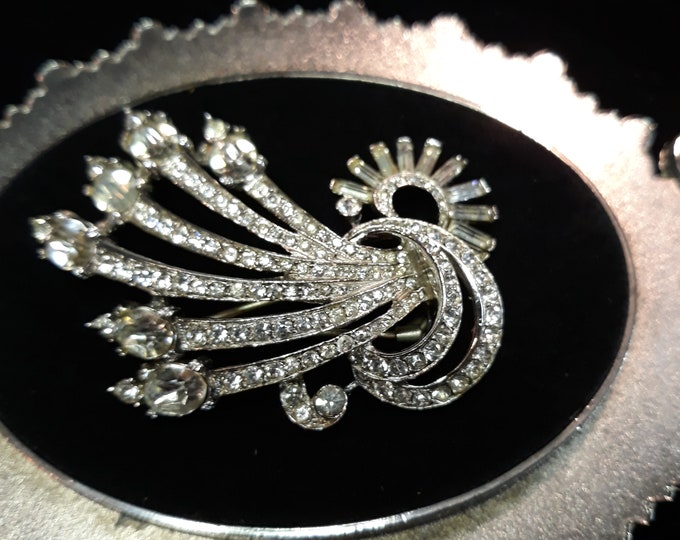 Absolutely beautiful Mid century vintage hat pin with rhinestone, Adornments, Brooches for picture frame art, Embellishments