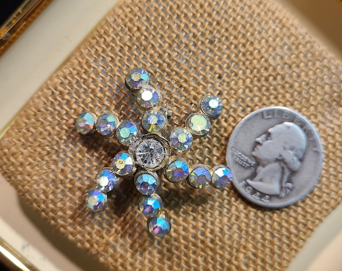 Vintage rhinestone Brooch, Crafting jewelry, Adornments, Brooches for picture frame art, Embellishments, junk jewelry, old brooch, TLC