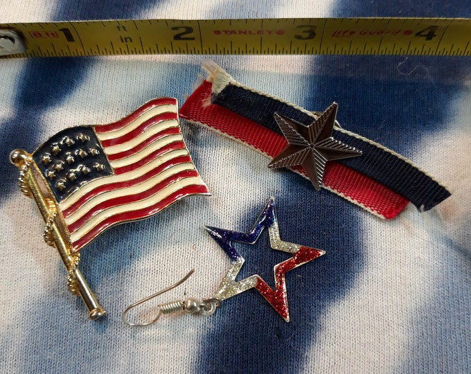 Vintage flag brooch, patriotic craft jewelry, Repurpose jewelry, Adornments, Brooches for picture frame art, Embellishments, Pins,