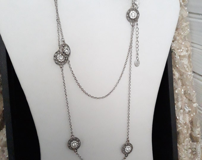 Outstanding vintage Crystal rhinestone necklace by Icing, estate necklace