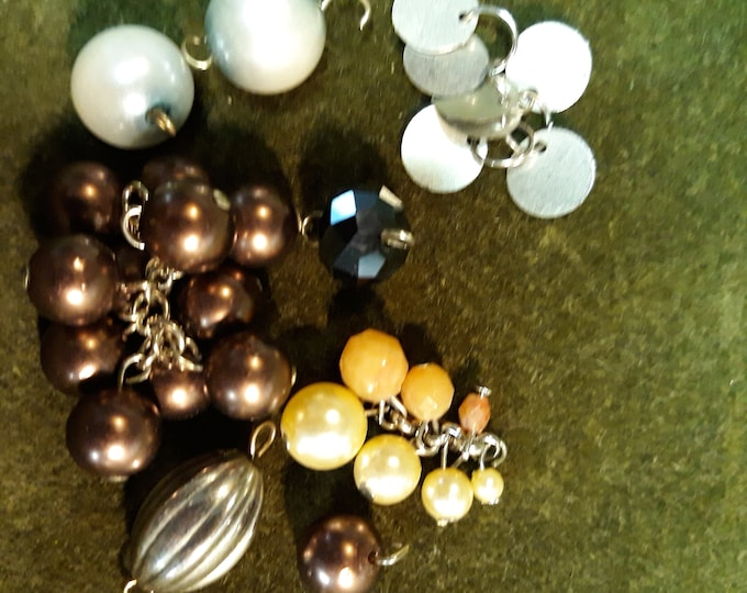 Vintage bead dangle craft lot, 97c Special Value vintage bead lot, repurposed jewelry, salvaged jewelry