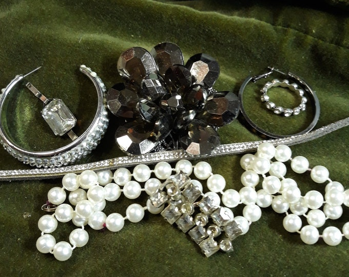 Vintage assorted rhinestone craft jewelry, Vintage mixed media jewelry lot, Vintage repurpose jewelry, salvaged jewelry lot