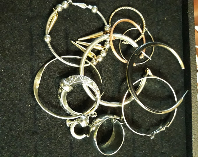 Metal circle earring singles salvaged lot