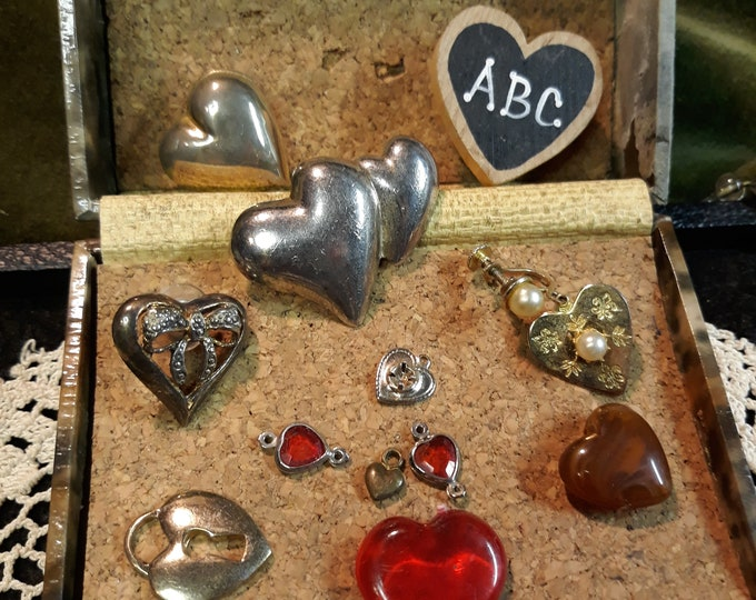 Vintage heart craft lot with 2 brooches, craft brooches, jewelry art, craft jewely, repurposed jewelry, salvaged jewelry, junk jewelry