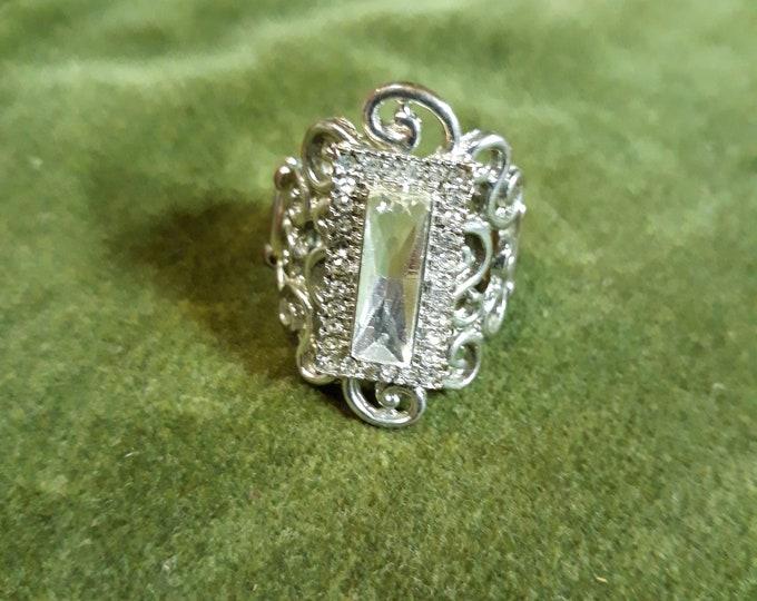 Stunning retro rhinestone statement ring adjustable bling