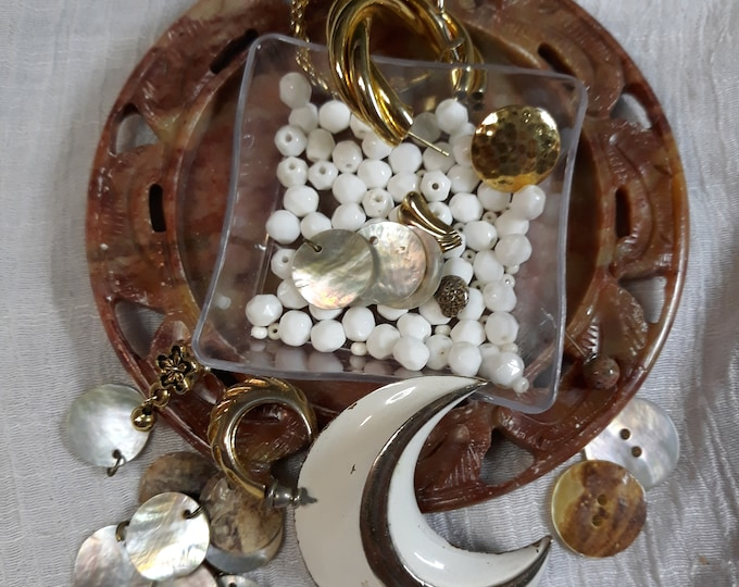 Vintage beads, brooch, buttons and assorted junk jewelry, Vintage jewelry lot, jewelry pieces, repurposed jewelry, salvaged jewelry