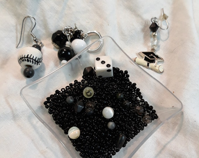 CLEARANCE Vintage beads,earring singles and assorted junk jewelry, Vintage jewelry lot, jewelry pieces, repurposed jewelry, salvaged jewelry