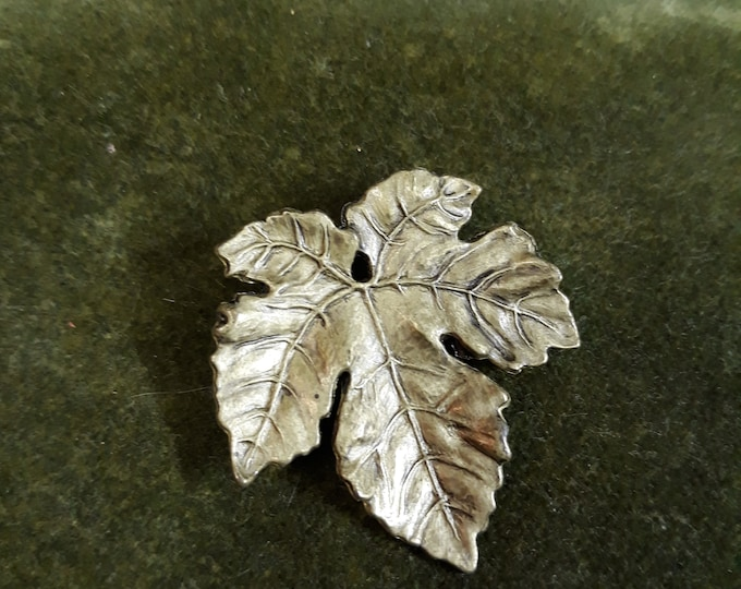 Vintage Hallmark leaf brooch,  brooch, Repurpose jewelry, Adornments, Brooches for picture frame art, Embellishments, Pins,