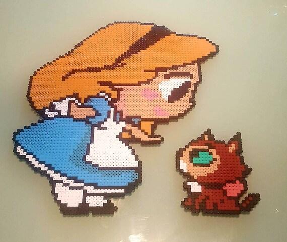 Sprite Alice Et Son Chat Alice Aux Pays Des Merveilles Film Disney Sprite Perles Hama Hama Beads Pixel Art