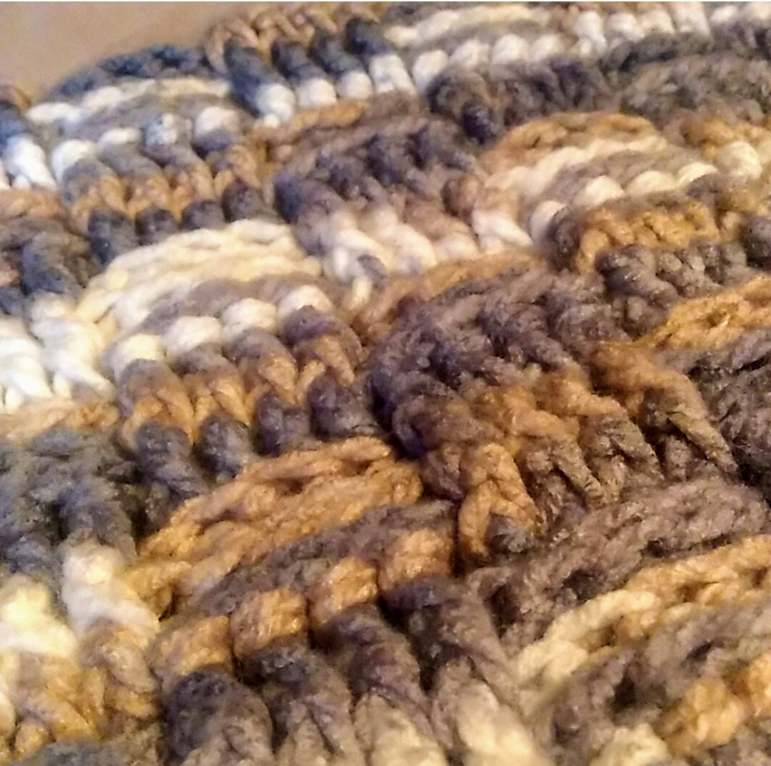 Couverture au crochet faite à la main