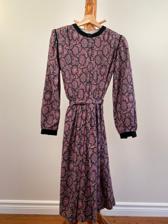 Cottage Core Dress with Puffed Sleeves - image 6