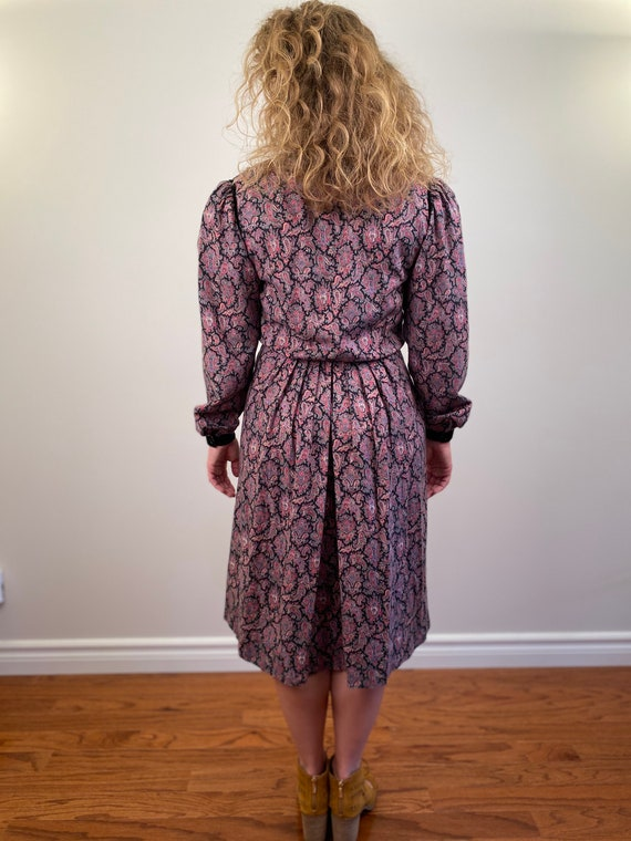 Cottage Core Dress with Puffed Sleeves - image 5