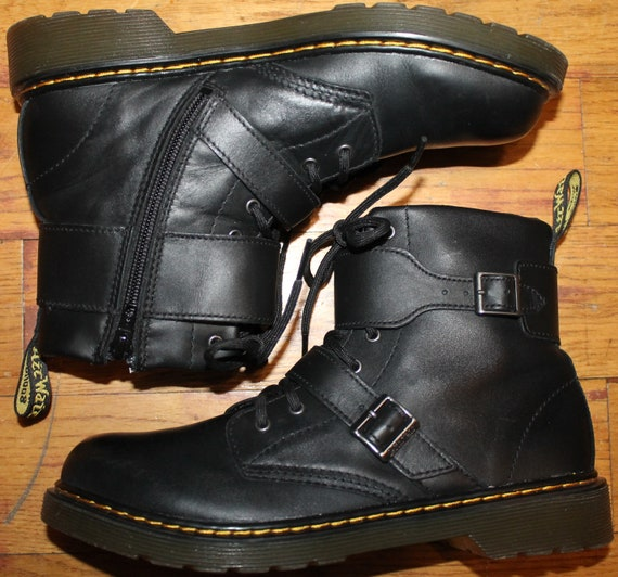 Dr. Martens 1460 Joska Boots - SZ 6M - SZ 7W
