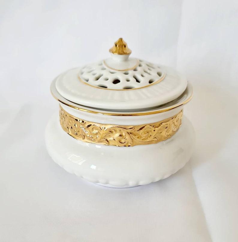 Collectable Trinket Box White And Gold China Trinket Box Hand painted Gold Glit Trinket Dish Vintage Bone China Trinket Box Lidded Box.