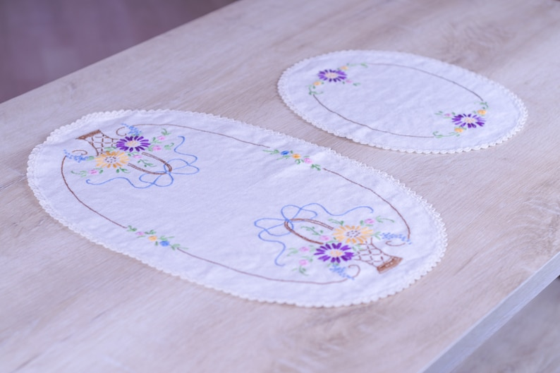 Set of 2 Oval Embroidered Table Linens with Floral Decor image 0
