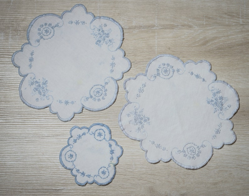 Set of 3 Vintage Embroidered Round Doilies White & Blue image 0