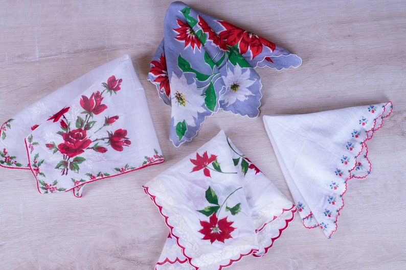 Set of 4 Vintage Square Christmas Handkerchiefs image 0