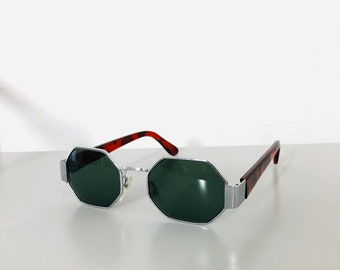 49b89924845d Authentic 90s Vintage High Quality Silver Hexagonal Geometrical Frame  Deadstock Sunglasses