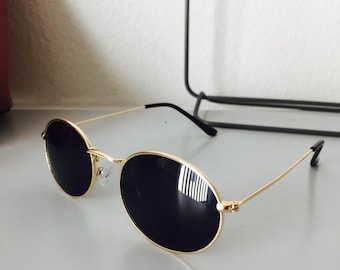 48dde9395d Retro Oval Frame Black Lens Gold Rim Sunglasses