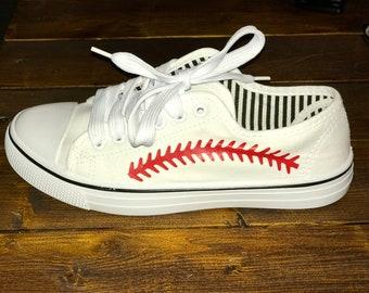 be4605ff154 Baseball shoes