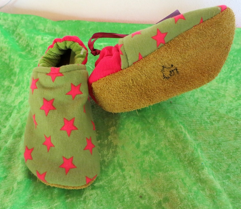 Booties Pink Stars from size 16-28 kids slippers toddlers  image 0