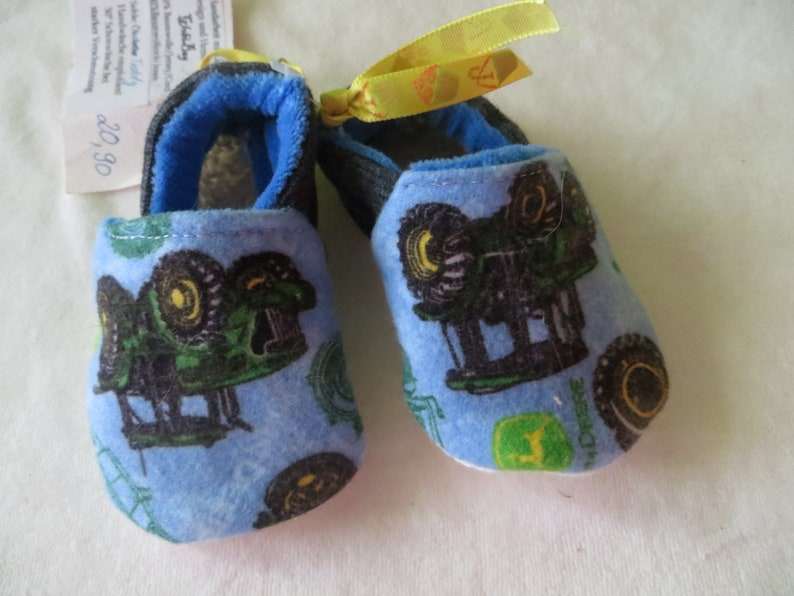 Booties Tractor in size 17202122  26 kids slippers image 0