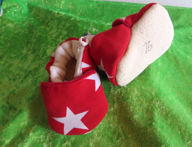 Booties red Star in size 16  kids slippers toddlers  first image 0