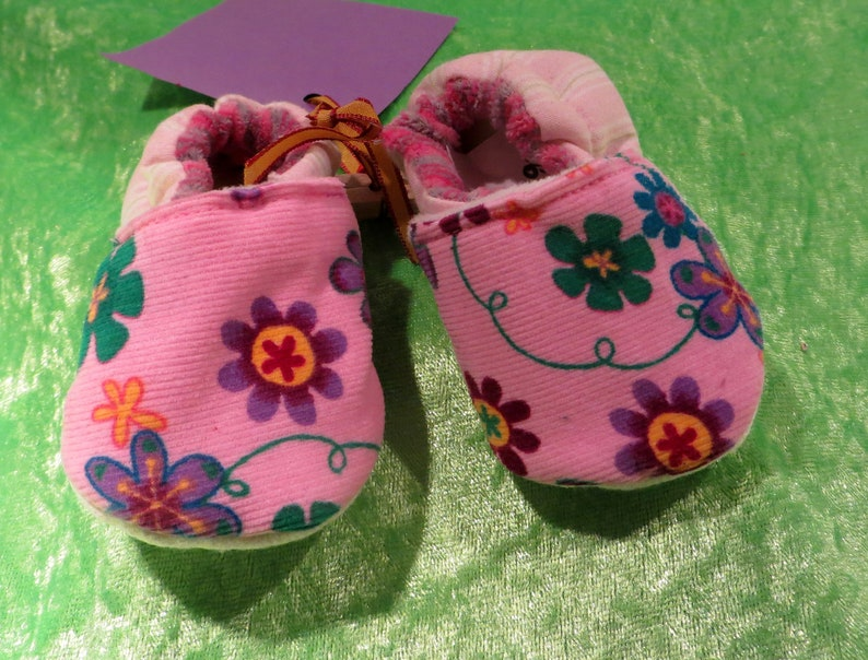 Booties Pink Flowers in size 16  19 kids slippers toddlers image 0