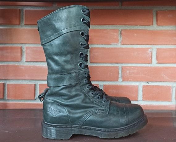Dr Martens Triumph 12107 Women 6 UK 8 US High Boot