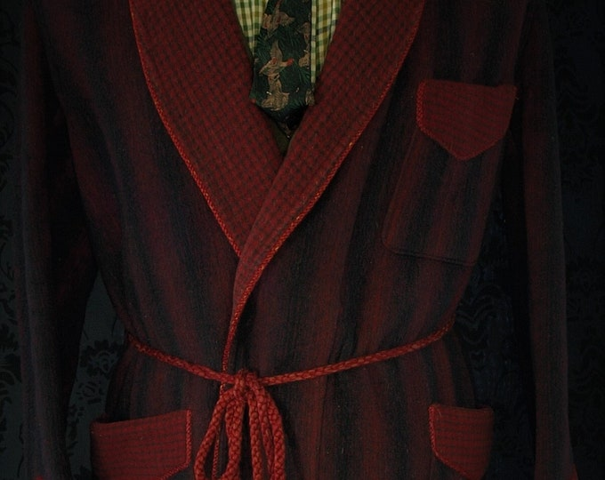 Mens Vintage Wool mix Dressing Gown Robe , Smoking Jacket in a Size 38 inch small regular