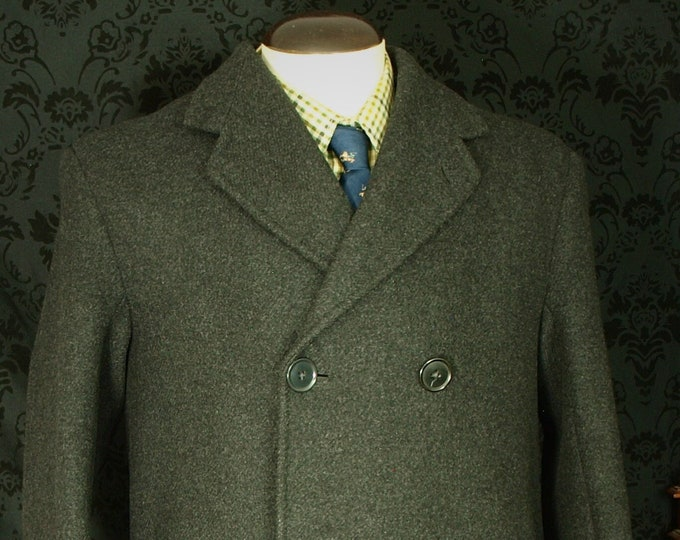 Mens Early Dated 1954 Bespoke Quality Vintage Heavy Tweed Coat Overcoat in a size 42 inch Large