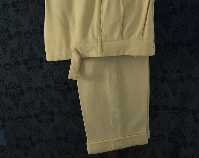 Mens Rare Vintage circa 1930s Bespoke Cricket Trousers Flannels Pants in a Size 30 inch  Waist and 28 inch inside  Leg