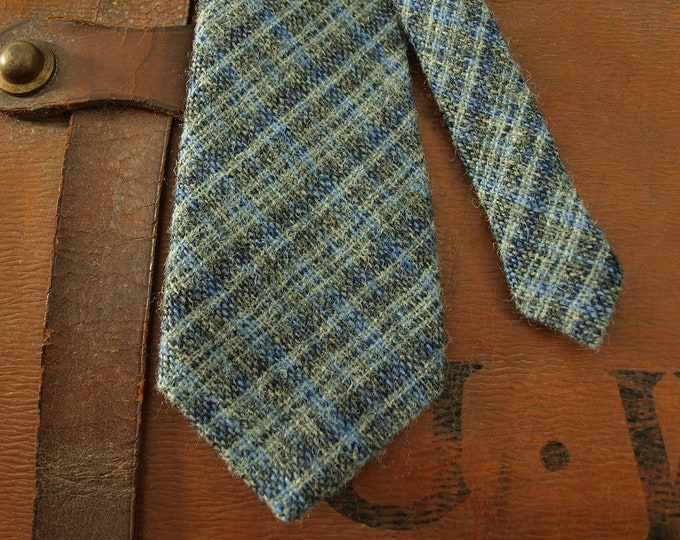 Vintage Mens Country Wool Tweed Tie Blue  Made in Wales by Afonwen