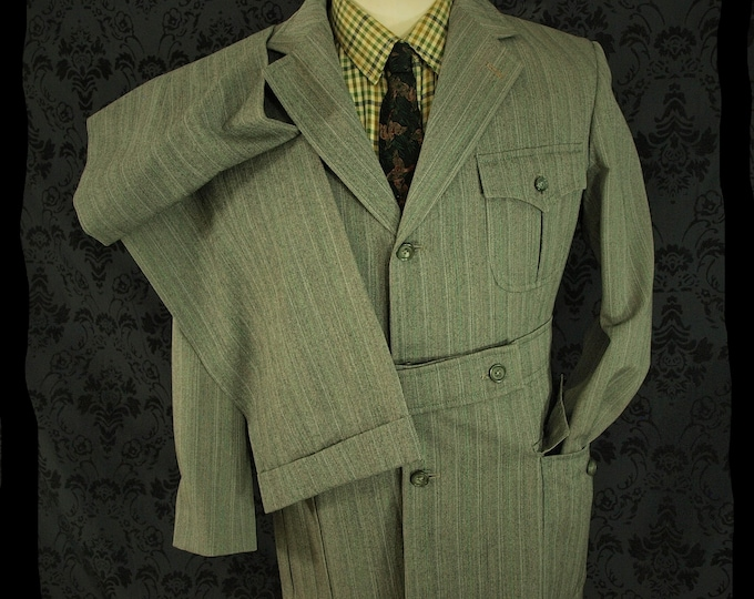 Rare Styled Mens Vintage Safari Norfolk style Suit in a Size 38 Small 29 Waist and 30 inside Leg