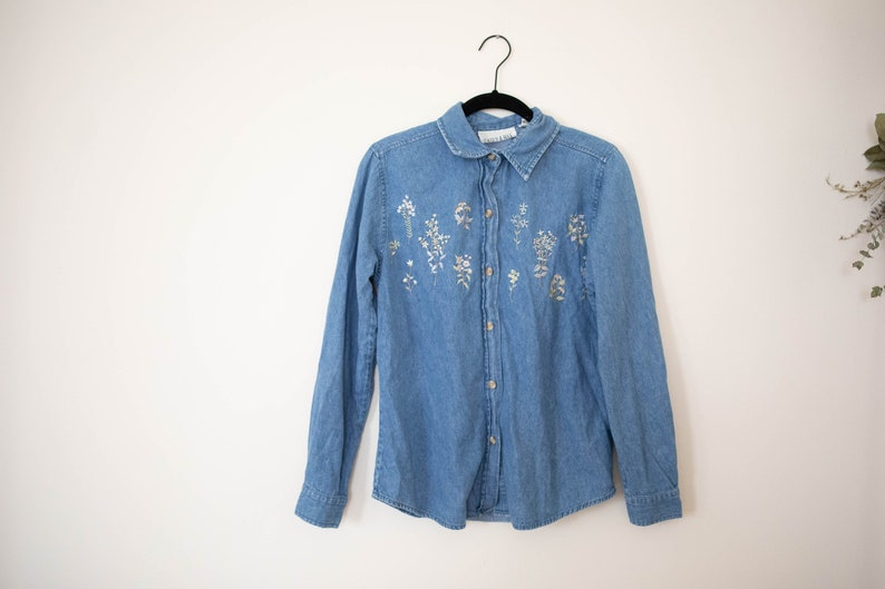 Vintage Casey and Max embroidered denim button up