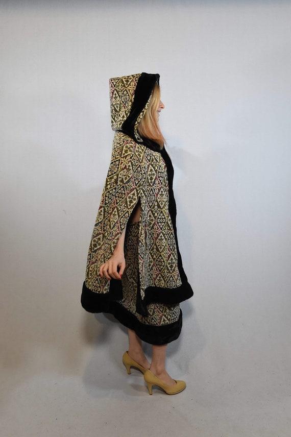 Vintage Cloak and Skirt Set - image 3